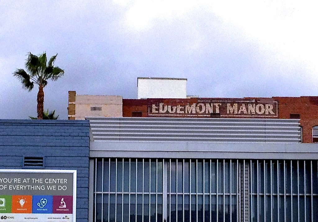 Edgemont Manor, Los Angeles